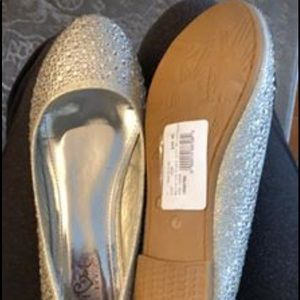 Silver beaded flats size 7